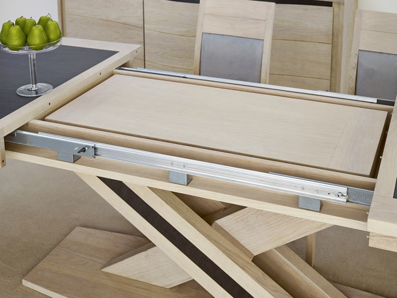 Pied de table en bois massif maison design for Table ronde bois massif pied central