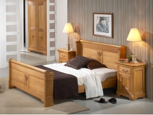 cadre de lit en ch ne massif silver avec tete de lit sculpt e meubles bois massif. Black Bedroom Furniture Sets. Home Design Ideas