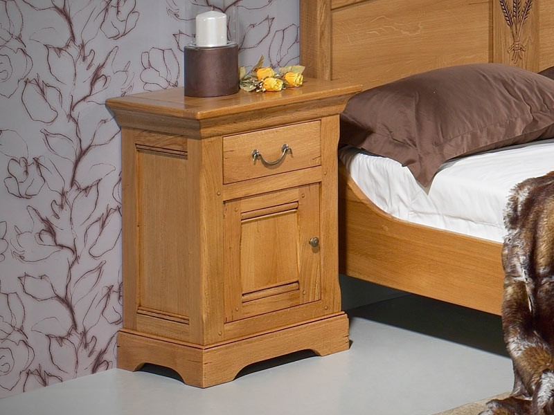 chevet en ch ne massif silver 1 porte enbois 1 tiroir meubles bois massif. Black Bedroom Furniture Sets. Home Design Ideas