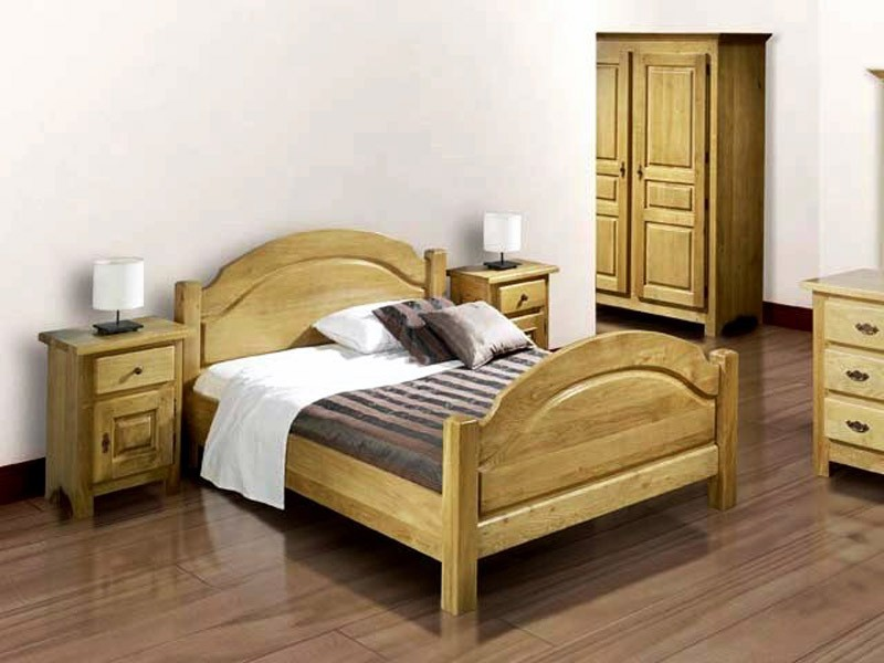 cadre de lit rustique en ch ne massif tete et pied de lit arrondis et sculpt s meubles bois massif. Black Bedroom Furniture Sets. Home Design Ideas