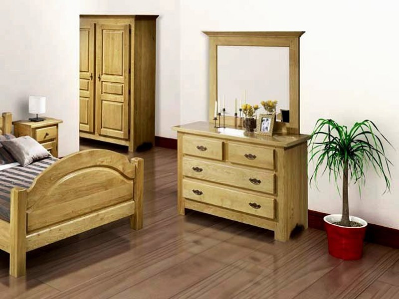 commode rustique paros 4 tiroirs en ch ne massif meubles bois massif. Black Bedroom Furniture Sets. Home Design Ideas