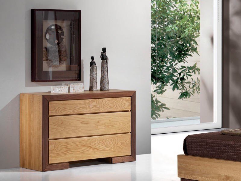 commode 4 tiroirs ruban en ch ne massif et bois de noyer meubles bois massif. Black Bedroom Furniture Sets. Home Design Ideas